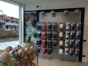 Macron Store Azzate 2