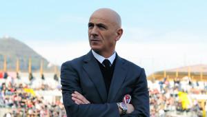 5 febbraio 2011 Varese - Albinoleffe: Sannino prima della gara