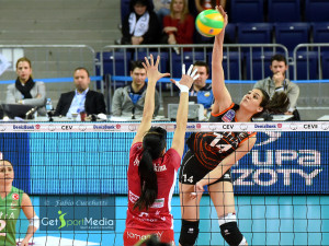 Eczacibasi-Busto_Yilmaz vs Lyubushkina getsportmedia by cucchetti