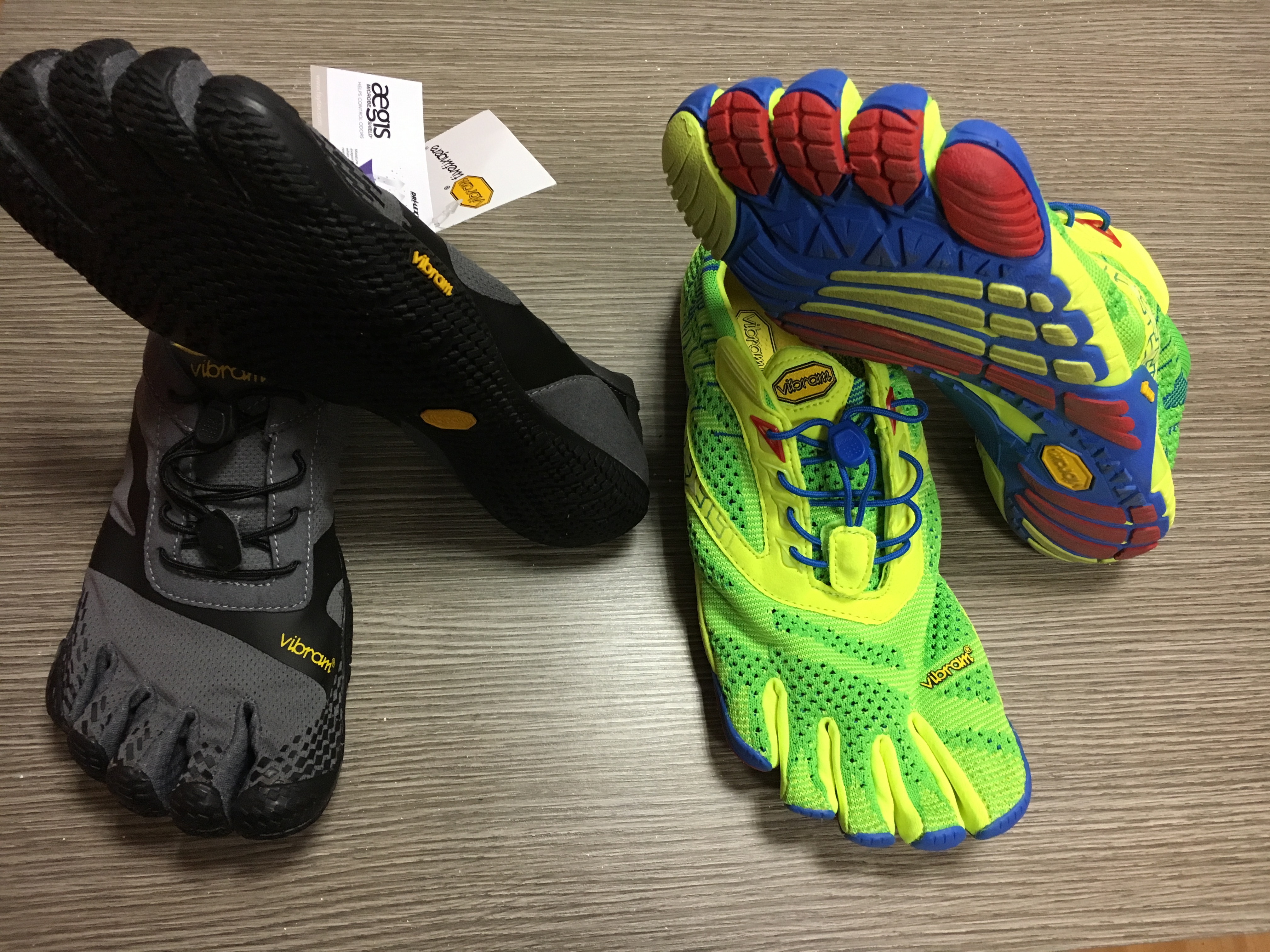 "b984962951c03 scarpe vibram five fingers """