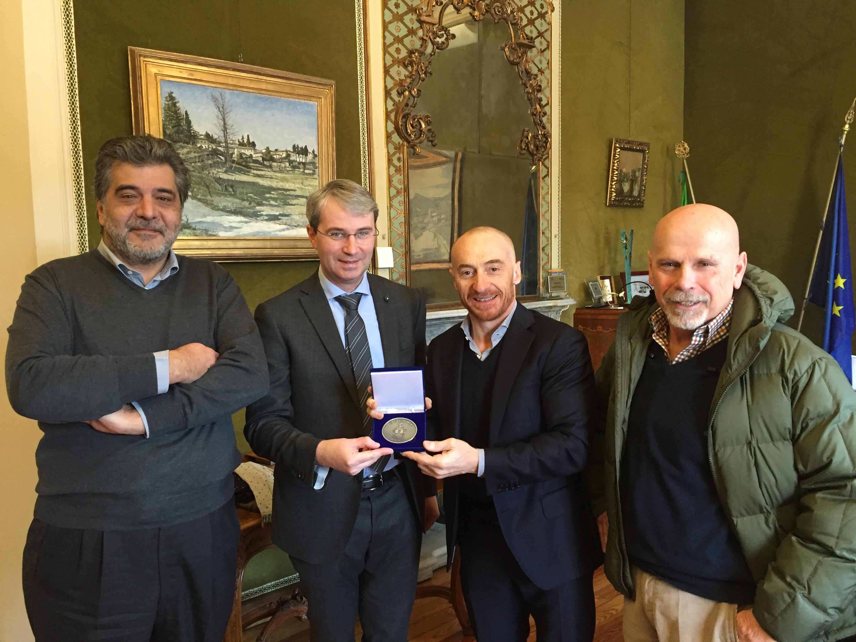 """Jury Chechi torna in città: """"La mia medaglia olimpica partita da Varese"""""""