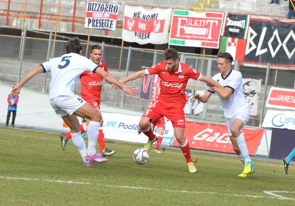 Corno gol, la Caronnese batte il Varese. Cuneo in fuga
