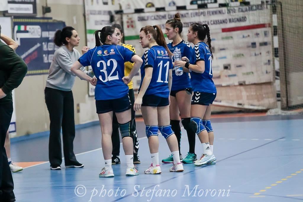"""A1F – Pallamano Femminile sconfitta a Dossobuono, Petazzi """"Si doveva vincere. Problema di mentalità""""."""