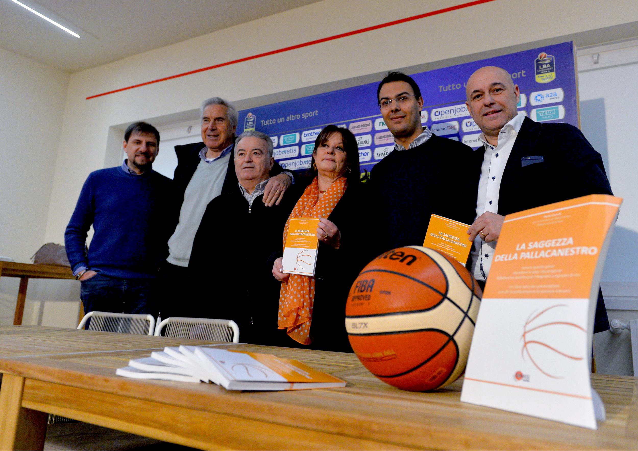 """""""La saggezza della pallacanestro"""": basket e riflessioni per la vita"""