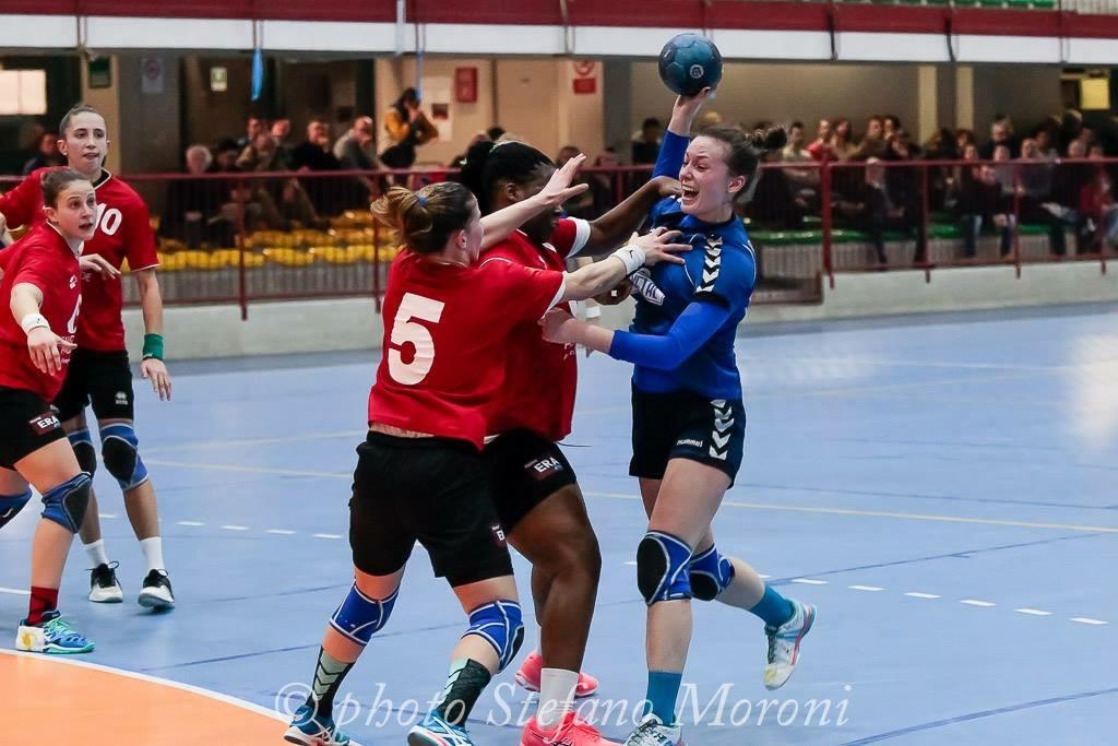 A1F – Cassano gioca d'orgoglio, ma Salerno è troppo forte. Verdetto play off rimandato.