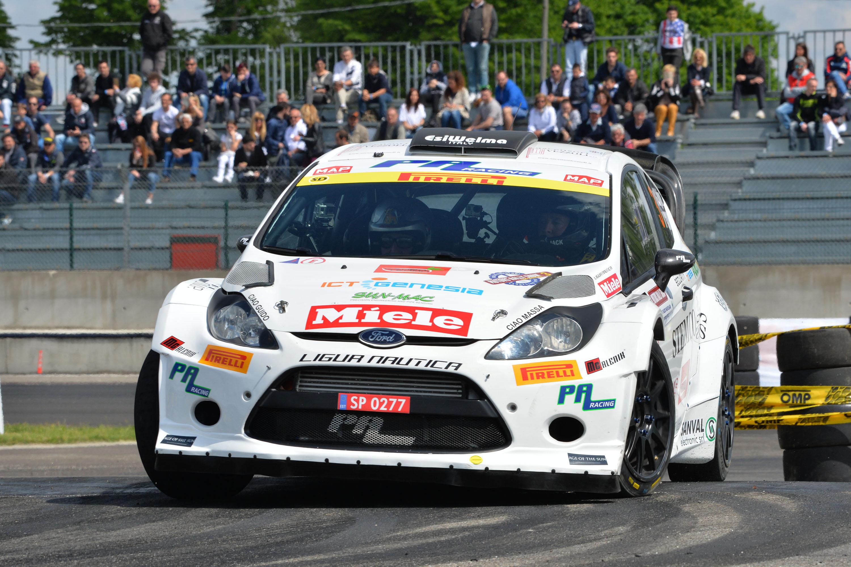 """Giacomo Ogliari e """"Cobra"""" trionfano al 2° Motors Rally Show"""