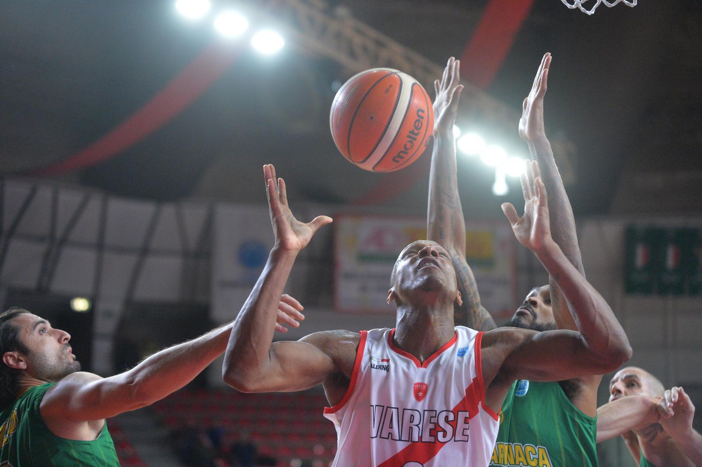 Varese riparte alla grande in FIBA – FOTO