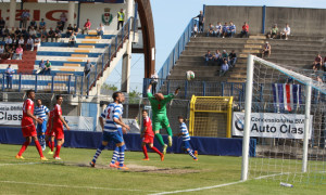 Foto LaPresse - Simone Raso 10/05/2015 (ITALIA) Sport Calcio Pro patria Monza Campionato di Calcio Lega Pro  2014 2015  Nella foto: palumbo realizza il 3 1