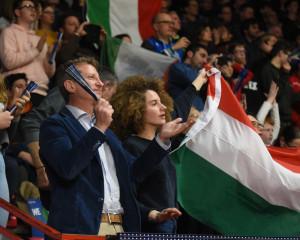 Tipi da Italia al palazzetto 12