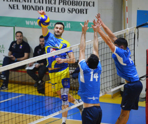 SARONNO SARONNO VOLLEY CARONNO VOLLEY PALADOZIO NELLA FOTO PRIORE
