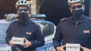 Più sicurezza: occhiali NRC per la Polizia di Varese