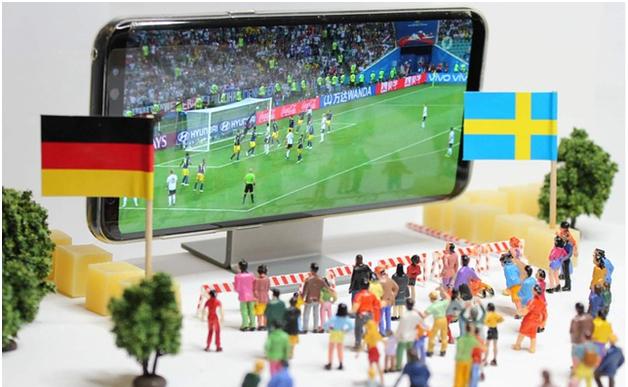 Rivoluzione completata. Il calcio nell'era di internet: social, store online e partite in streaming online