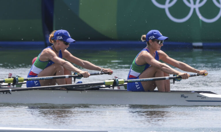 Olimpiadi, Cesarini in finale nel doppio pesi leggeri con record. Ondoli 9^