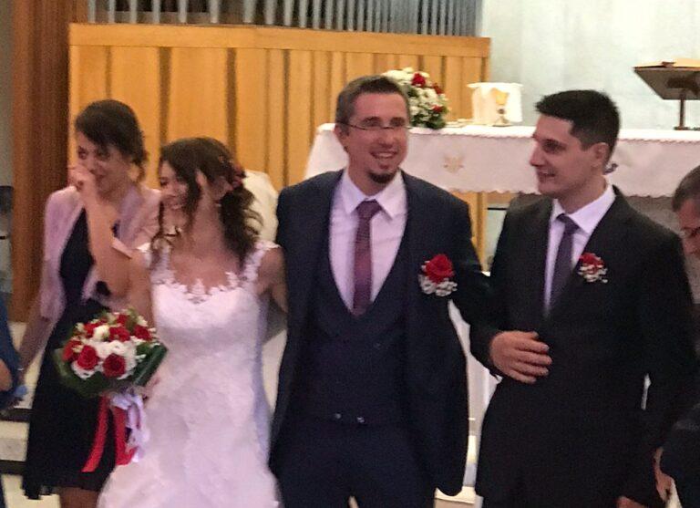 Matteo e Simona sposi. Congratulazioni a loro e ai piccoli Gioele e Valeria