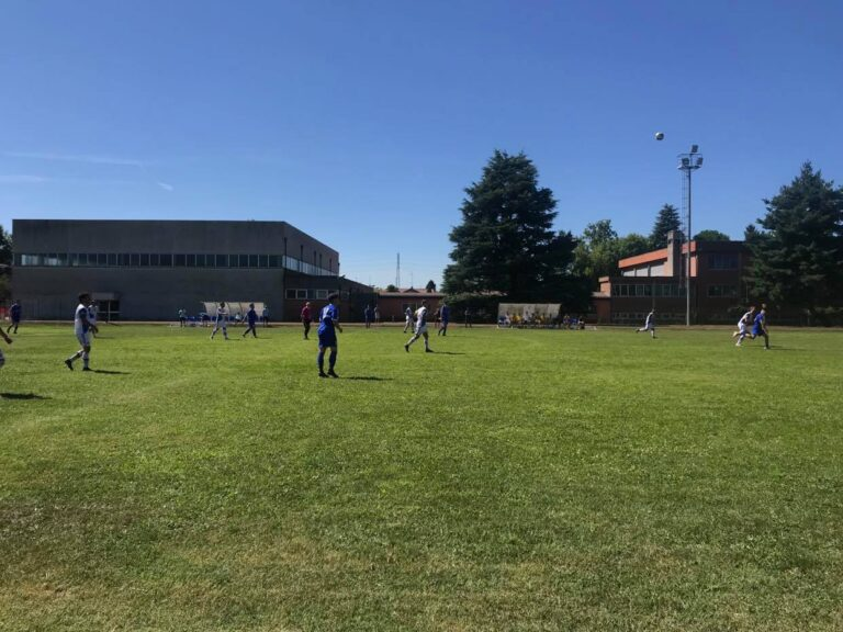 """È già """"calcio vero"""": pareggio scoppiettante nell'amichevole Ferno-Besnatese"""