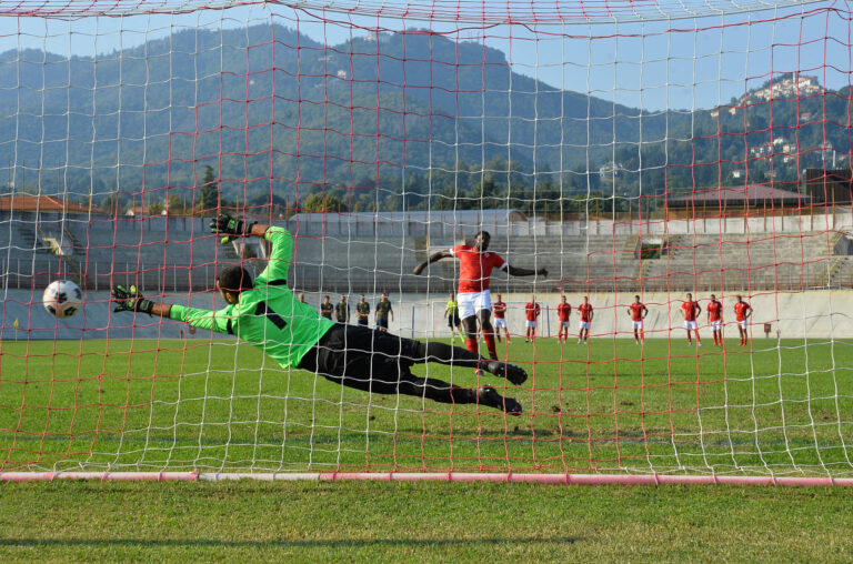 Città di Varese fuori ai rigori. Finisce 2-2, l'Arconatese passa il turno. Il video dei gol e dei rigori