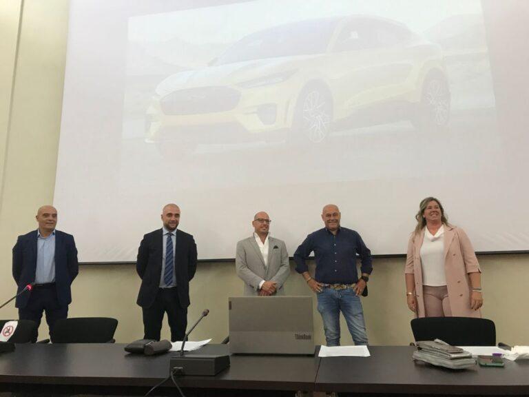 """Varese Green Motors le auto elettriche nel cuore di Varese: """"Fondamentale parlare di mobilità sostenibile"""""""